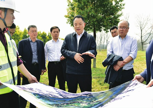 高质量高品质高水平推进重点城建项目...